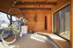 長井建築設計室 の ミニマルな ガレージ/小屋 小屋 Garage Shed, Garage Interior, Modern Architecture, Interior Design, Room, House, Home Decor, Brompton, Design Ideas