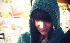 Echarpe à capuche, tuto tricot gratuit