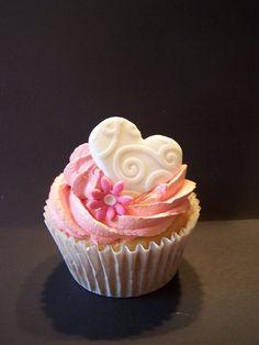 Cupcakes en rosa flor y corazon.pretty
