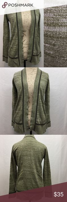 "Skies Are Blue Open Cardigan Skies Are Blue open Cardigan. Excellent NWOT no flaws condition. Stitch Fix. Size XS. Heathered green. Armpit to armpit 19"". Shoulder to bottom hem 27"". Skies Are Blue Sweaters Cardigans"