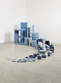 TONY CRAGG, Blue Horn (Axt) this is a very satisfyingly pleasant pile of junk. Contemporary Sculpture, Contemporary Art, Collections Of Objects, Art Moderne, Monochrom, Recycled Art, Everyday Objects, Art Plastique, Op Art