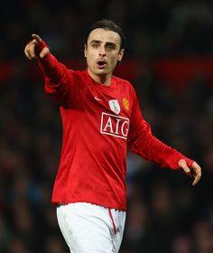 Dimitar Berbatov of Manchester United gestures during the UEFA Champions League Round of Sixteen, Second Leg match between Manchester United and Inter Milan at Old Trafford on March 11, 2009 in Manchester, England. (Photo by Laurence Griffiths/Getty Images) *** Local Caption *** Dimitar Berbatov