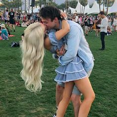 Dove Cameron and Thomas Doherty Are So Obnoxiously Cute Together, I Can't Even Deal — POPSUGAR - celebrity couples - Cute Celebrity Couples, Cute Couples Goals, Celebrity Photos, Couple Goals, Celebrity News, Celebrity Weddings, Thomas Doherty, Hottest Male Celebrities, Cute Celebrities