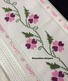 Lucy Paniagua's media content and analytics Cross Stitch Borders, Cross Stitch Animals, Cross Stitch Flowers, Cross Stitch Patterns, Embroidery Stitches Tutorial, Cross Stitch Embroidery, Hand Embroidery, Sewing Art, Bargello