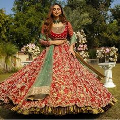 winter date outfits Indian Bridal Outfits, Indian Bridal Lehenga, Indian Bridal Fashion, Pakistani Bridal Dresses, Indian Bridal Wear, Indian Designer Outfits, Indian Wear, Designer Dresses, Indian Attire