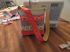 GMHN Quilts by Penny Doucette: What can you make with a jelly roll? Project two. Reversible tote.