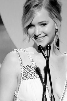 ♥ Hollywood Actresses, Actors & Actresses, Jennifer Lawrence Hot, Punk Makeup, Beauty Behind The Madness, Wattpad, The Most Beautiful Girl, Celebs, Celebrities