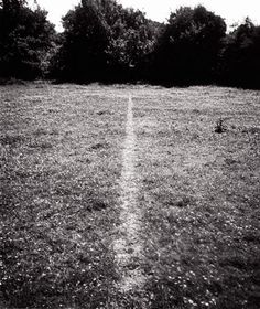 Richard Long A line made by walking (1967)