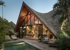 pitched roof designArchitectural bureau Alexis Dornier presented an original and stylish country house in the style of a chalet, improving it due to the aty Roof Design, House Design, Facade Design, Small Swimming Pools, Winding Staircase, Single Bedroom, Minimal Home, Affordable Housing, Facades