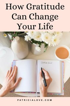 Do you often find yourself caught up in negative thoughts and emotions? Does it seem that your life is a series of unfortunate events? Here is how adopting gratitude practices can make your life do a 180! How Gratitude Can Instantly Change Your Life. How Gratitude Can Instantly Change Your Life What Is Anxiety, Deal With Anxiety, Positive Mindset, Positive Quotes, Live For Yourself, Finding Yourself, How To Get Motivated, Positive Inspiration, Practice Gratitude