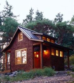 small cabin-would be great in the woods in the middle of winter surrounded by my small family and plenty of food and books and music. Bliss.