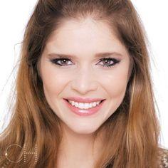 Para quem deseja fazer um look com olhos marcados no #DiadosNamorados vale conferir o post no meu blog [link na bio] com vídeo de um passo a passo de olho degradê. Dá tempo de testar e arrasar. Boa sorte!  @danttasjaqueline #cacahabeyche #cacamakeup #blogdacaca #makeup #beleza