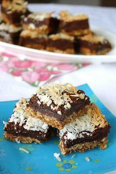It's like an Almond Joy in a bar!  Chocolate & Coconut Fudge Bars | cookincanuck.com