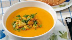 Lempeä broilerikeitto Thai Red Curry, Soup Recipes, Turkey, Koti, Chicken, Dinner, Ethnic Recipes, Soups, Turmeric