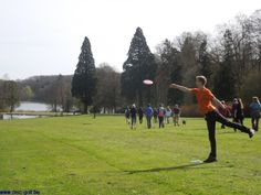 Disc Golf Belgique. Stages de disc golf, initiation et perfectionnement au disc golf, frisbee et ultimate frisbee (Wépion - Namur - Wallonie - Belgique) - Photos