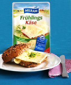 Frisch und würzig wird es mit diesem FrühlingsKäse mit feinen Frühlingskräutern. So bleibt es immer Frühling - zumindest auf dem Brötchen.