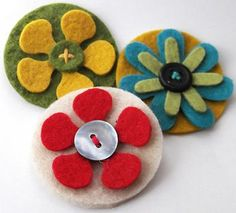 I need to start collecting felt...I love what you can make with it.