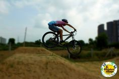 Now how rad is this??? Akshay Chaudhary FRz #flying over the #tabletops. #pedalersvillage #mtb #bmx #bikepark #pumptrack #dirtjumps #style #fun #gurgaon #India