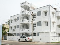 Kumbakonam Viha Inn Serviced Apartments India, Asia Located in John Selvaraj Nagar, Viha Inn Serviced Apartments is a perfect starting point from which to explore Kumbakonam. The hotel offers a wide range of amenities and perks to ensure you have a great time. Take advantage of the hotel's daily housekeeping, 24-hour security, free Wi-Fi in all rooms, 24-hour front desk, express check-in/check-out. Some of the well-appointed guestrooms feature television LCD/plasma screen, toi...