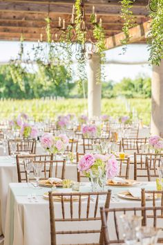 Love these light colors, perfect for a spring wedding. Square tables are a must! Overall very elegant without going overboard!!! Gallery & Inspiration | Picture - 1259527