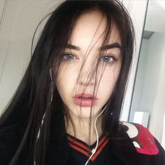 Elizabeth Jane Bishop @elizabethjanebishop Messy hair selfieInstagram photo