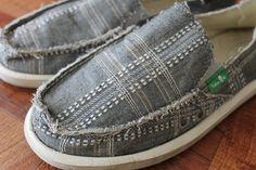 Sanuk womens Gray Plaid Slip On Shoes size 6 US 37 EUR #Sanuk #Flats