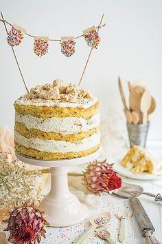 Con esta tarta de cumpleaños celebramos el cumple del blog. Son 5 añitos los que han pasado dede que Loleta empezó a contaros recetas