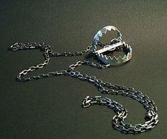 bear-trap-necklace