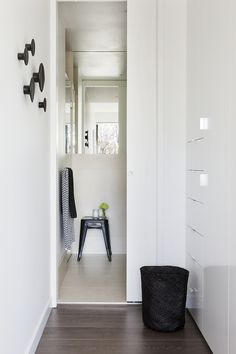 Brooke Pertzel is a Melbourne based boutique interior styling and design firm specialising in residential environments. Hallway Inspiration, Bathroom Inspiration, Dressing Room Closet, Interior Styling, Interior Design, Small House Decorating, Boutique Interior, Scandinavian Home, Decoration