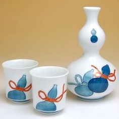 Arita ware Sake set - tokkuri and guinomi. Free worldwide shiping from Japan.