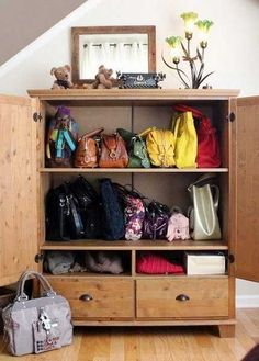 33 Storage Ideas to Organize Your Closet and Decorate with Handbags and Purses