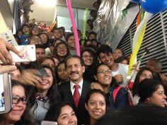 Promete Esparza Centro de Idiomas en la BUAP
