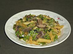 One pan pasta petits pois, courgettes et champignons Penne, Chez Vanda, One Pot Pasta, Sprouts, Diet, Chicken, Vegetables, Cooking, Food
