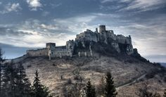 Spiš Castle, one of Europe's largest castles in terms of area, was built in destroyed soon after, and then reconstructed during the century. In a fire destroyed the fortress once again, leaving the structure in ruins. Located in Slovakia Castle Ruins, Medieval Castle, Photo Chateau, Places To Travel, Places To Go, Modern Castle, Ghost Photos, Beautiful Places To Visit, Central Europe