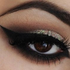 Captivating Look!!
