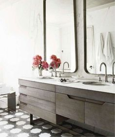 What a difference a mirror makes - cute and clever ways to use mirrors