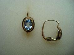 Alte klassische Ohrboutons Ohrringe Boutons 333 Gold hellblaue Steine Nachlass