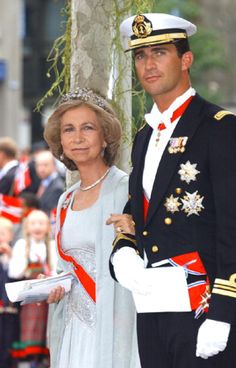 Queen Sofia with her son Crown Prince Felipe of Spain attend the wedding of Crown Prince Haakon of Norway & Mette-Marit in Oslo in 2001