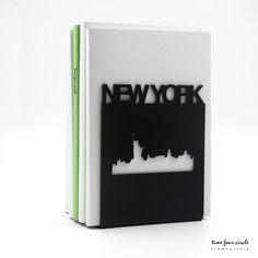 NEW YORK fermalibri, stile moderno e minimalistico.