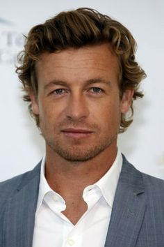 Full View (Photo: Reuters / ) Australian actor Simon Baker signed a ...