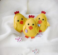 Felt Easter chick, baby chick set of three, Easter decor, baby chick toy, yellow chicks