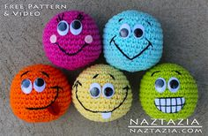 I love these amigurumi crochet balls. You could juggle them, use them for games, and so much more! Basic Amigurumi - Smilie Face Ball with Help Video - Media - Crochet Me