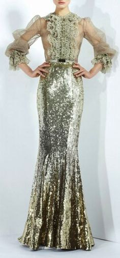 Yes, this looks old fashioned & maybe ugly to you but I would ABSOLUTELY wear this piece of beauty