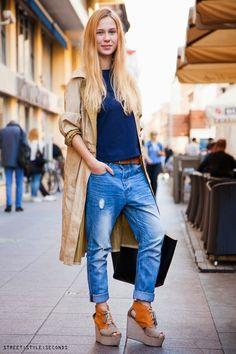 Fashion: stylish finds in vintage and second hands shops. Barbara Šušić, studentica prava