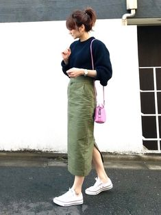 Favorite khaki × navy small items together in white, check . Long Skirt Outfits, Modest Outfits, Simple Outfits, Modest Fashion, Hijab Fashion, Casual Outfits, Fashion Outfits, Long Skirt Fashion, Japanese Fashion