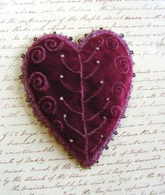 Beautiful beaded, embroidered Velvet brooch heart by just one of Over 50 of The Best Heart Crafts for Valentine's Day - hearts to make and inspire. Even recipes! Crazy Quilting, Textiles, Pixel Art Geek, Fabric Hearts, Velvet Heart, Art Textile, I Love Heart, Heart Crafts, Love Symbols