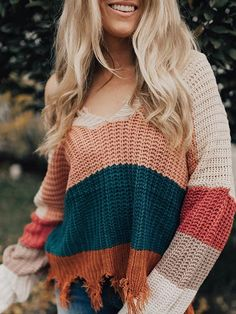 Inspiring Winter Outfits For Women Ideas With Sweater To Try Soon - Smart, cozy, and chic sweaters are a must have in the wardrobe. The best thing about a sweater is that it flatters all body types be it a plus size bo. White Trousers, Trousers Women, Sweater Outfits, Cute Outfits, Fall Outfits, October Outfits, Teen Outfits, Rock Outfits, Christmas Outfits