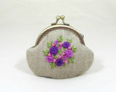 Linen coin purse, hand embroidered coin purse, embroidered linen purse, floral linen pouch, organza ribbon purse by JRsbags on Etsy Embroidery Purse, Silk Ribbon Embroidery, Organza Ribbon, Coin Purse Tutorial, Inexpensive Christmas Gifts, Burlap Bags, Pink And Purple Flowers, Frame Purse, Quilted Bag