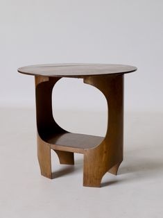 Small Drop leaf modernist plywood table UK, 1930s - In the manner of G.Summers, Isokon, Breuer. Available at Merzbau.
