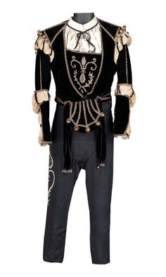 "Leslie Howard ""Romeo Montague"" black velvet doublet and pants from Romeo and Juliet."